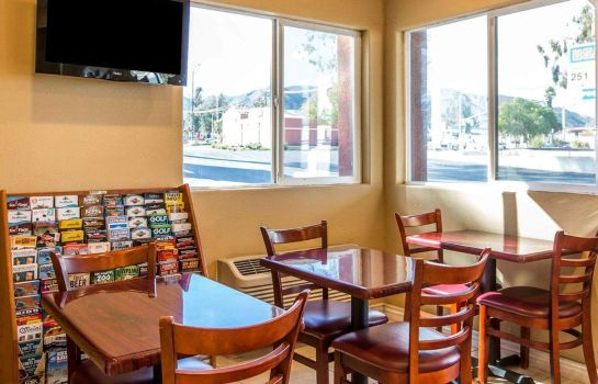 Restaurant RODEWAY INN AND SUITES CORONA RODEWAY INN AND SUITES CORONA