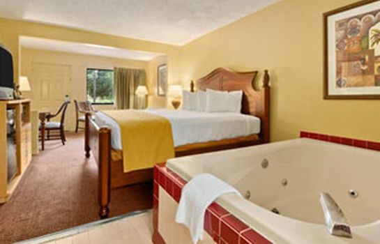 Pokój Travelodge Suites by Wyndham Kissimmee Orange