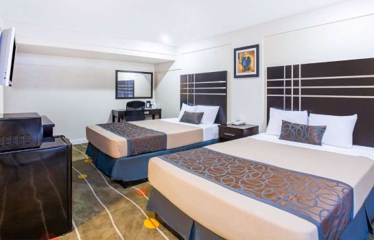 Suite Travelodge by Wyndham Fresno Yosemite Area