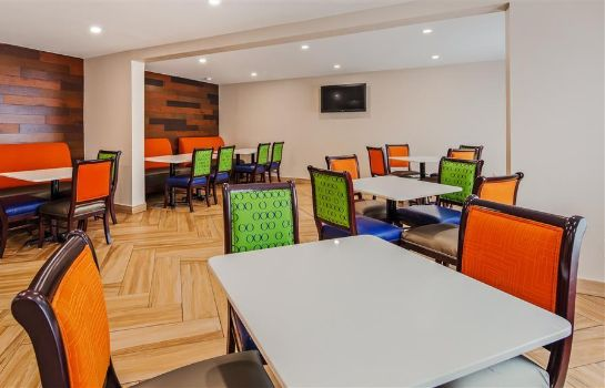 Restaurant SureStay Hotel by Best Western Florence