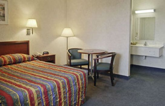 Zimmer FARMINGTON TRAVELODGE