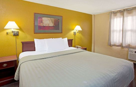 Zimmer TRAVELODGE FORT LAUDERDALE