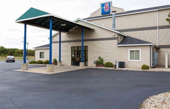 Vista exterior MOTEL 6 LAKE DELTON