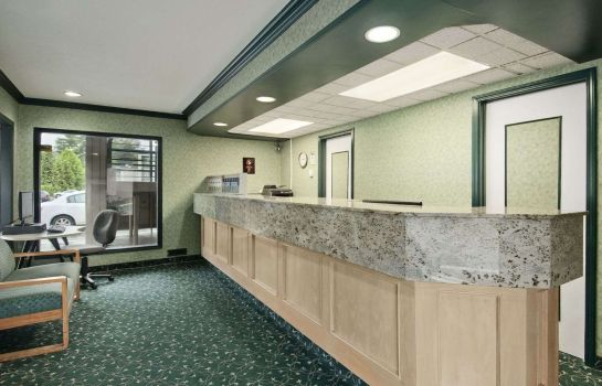 Hol hotelowy Vancouver Lions Gate Travelodge