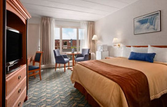 Habitación Travelodge by Wyndham Niagara Falls At the Falls