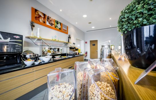 Ontbijtbuffet Holiday Inn Express COLOGNE - MUELHEIM
