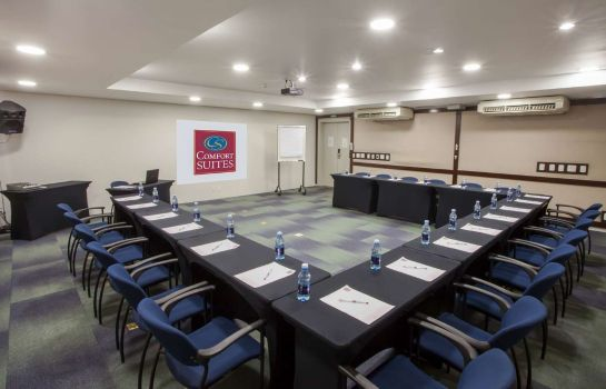Conference room Comfort Suites Campinas