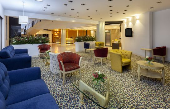 Hotelhalle Four Points by Sheraton Medellin