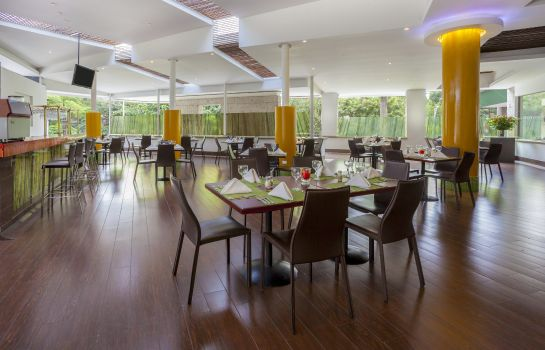 Restaurant Four Points by Sheraton Medellin