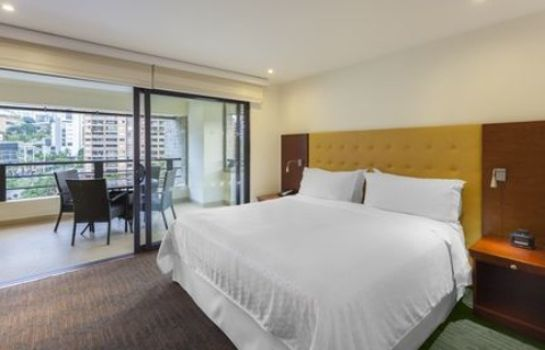 Room Four Points by Sheraton Medellin