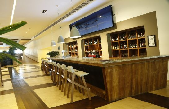 Hotel bar InterContinental Hotels PRESIDENTE CANCUN RESORT