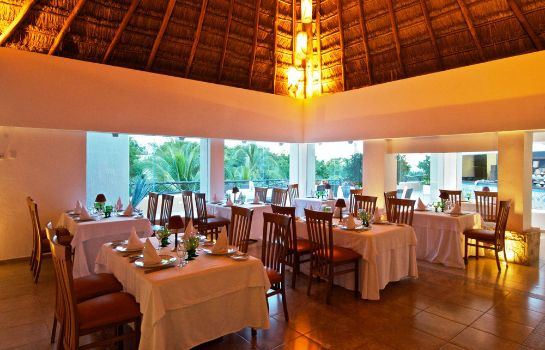Restaurant The Reef Playacar All Inclusive Beach Resort