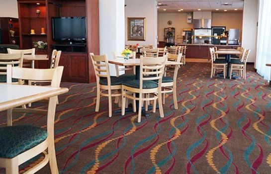 Restaurant Clarion Suites at the Alliant Energy Center