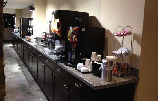 Salle du petit-déjeuner Boarders Inn & Suites by Cobblestone Hotels – Grand Island Boarders Inn & Suites by Cobblestone Hotels – Grand Island