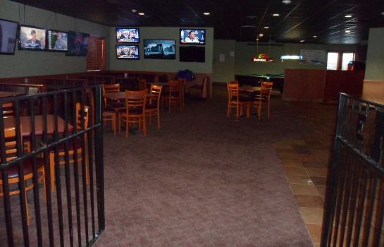 Lobby Boarders Inn & Suites and Conference Center