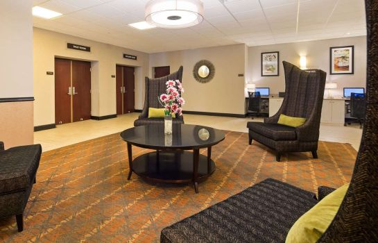 Hotelhalle SureStay Plus Hotel by Best Western Albany Airport