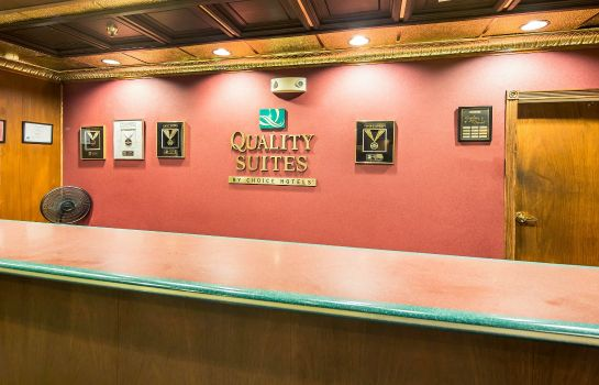 Vestíbulo del hotel Quality Suites Historic Downtown