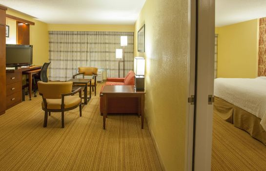 Suite Courtyard Charlotte Airport/Billy Graham Parkway