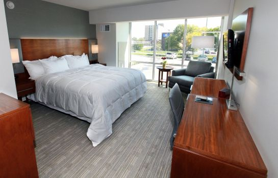 Zimmer DoubleTree by Hilton Omaha Southwest
