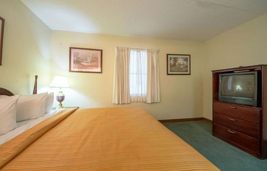 Suite Econo Lodge Inn and Suites Bentonville -