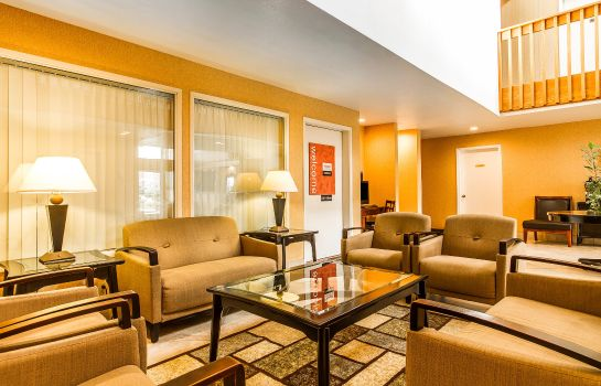Hotelhalle Quality Inn near Six Flags Discovery Kin