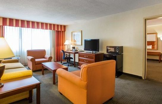 Suite Clarion Hotel & Conference Center North Atlanta