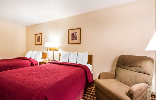 Room Quality Inn & Suites Marion