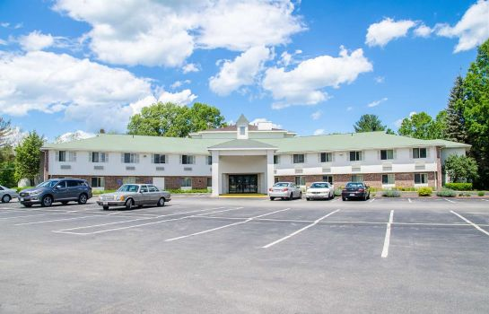 Buitenaanzicht MOTEL 6 WESTBOROUGH