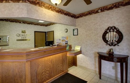 Hall Quality Inn Luverne
