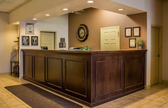 Lobby Quality Inn & Suites Mansfield