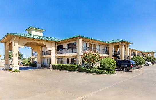 Exterior view Quality Inn Abilene