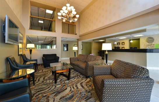 Hall Comfort Inn & Suites Alexandria
