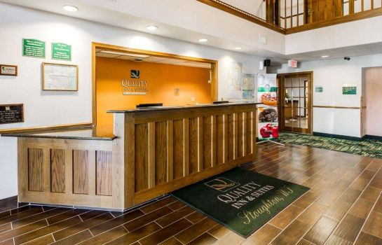 Hall Quality Inn & Suites Stoughton - Madison South