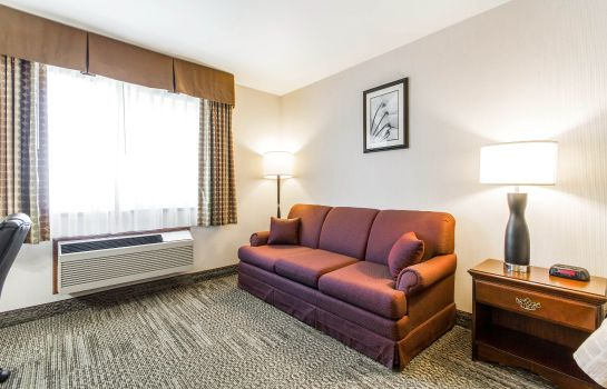 Zimmer Quality Inn & Suites Stoughton - Madison South