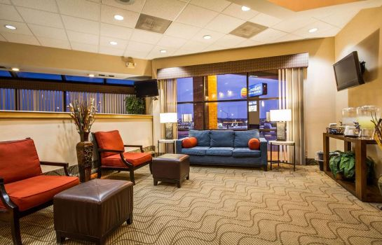 Vestíbulo del hotel Comfort Inn & Suites Madison - Airport