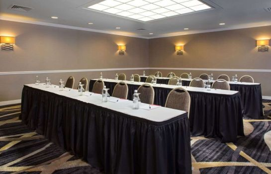 Conference room LaGuardia Plaza Hotel