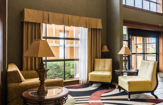 Vestíbulo del hotel Quality Suites Maumelle - Little Rock NW