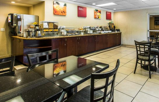 Restaurante Comfort Suites Near Six Flags Magic Mountain
