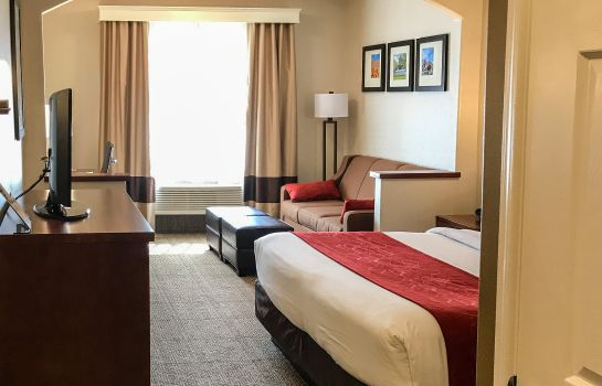 Habitación Comfort Suites Near Six Flags Magic Mountain