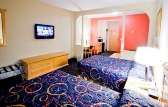 Camera Comfort Inn & Suites Airport