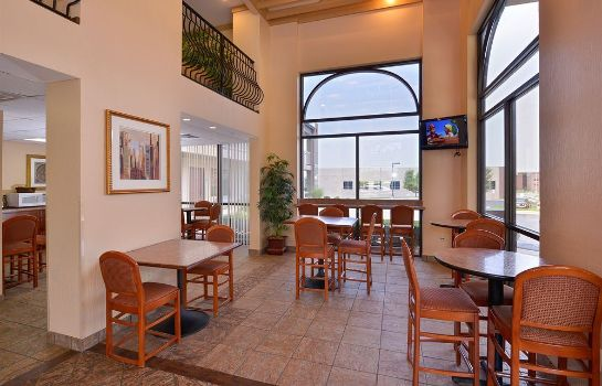 Restaurant Arbor Suites Medical Mile