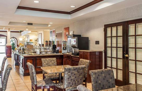 Restaurant Comfort Suites North Brunswick