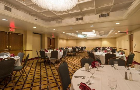Restaurant Comfort Suites Allentown
