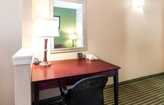 Zimmer Comfort Suites Las Colinas Center
