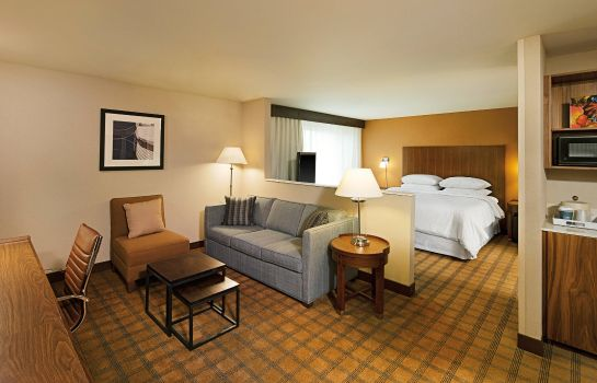 Suite Four Points by Sheraton Downtown Seattle Center