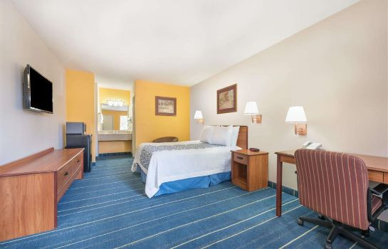 Zimmer Days Inn by Wyndham Bryan College Station