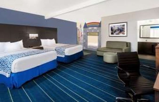 Suite Days Inn Anaheim at Disneyland