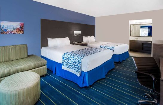 Zimmer Days Inn Anaheim at Disneyland