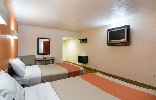 Zimmer Motel 6 Tampa - Fairgrounds