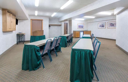 Conference room DAYS INN & SUITES BOZEMAN